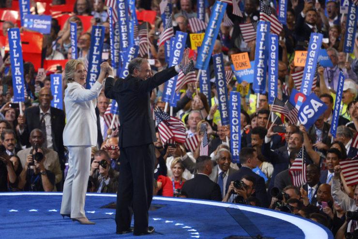 foto de Hillary Clinton con Tim Kaine