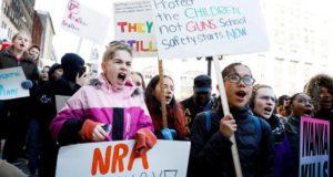 foto de Estudiantes marchan en Nueva York en contra de las armas